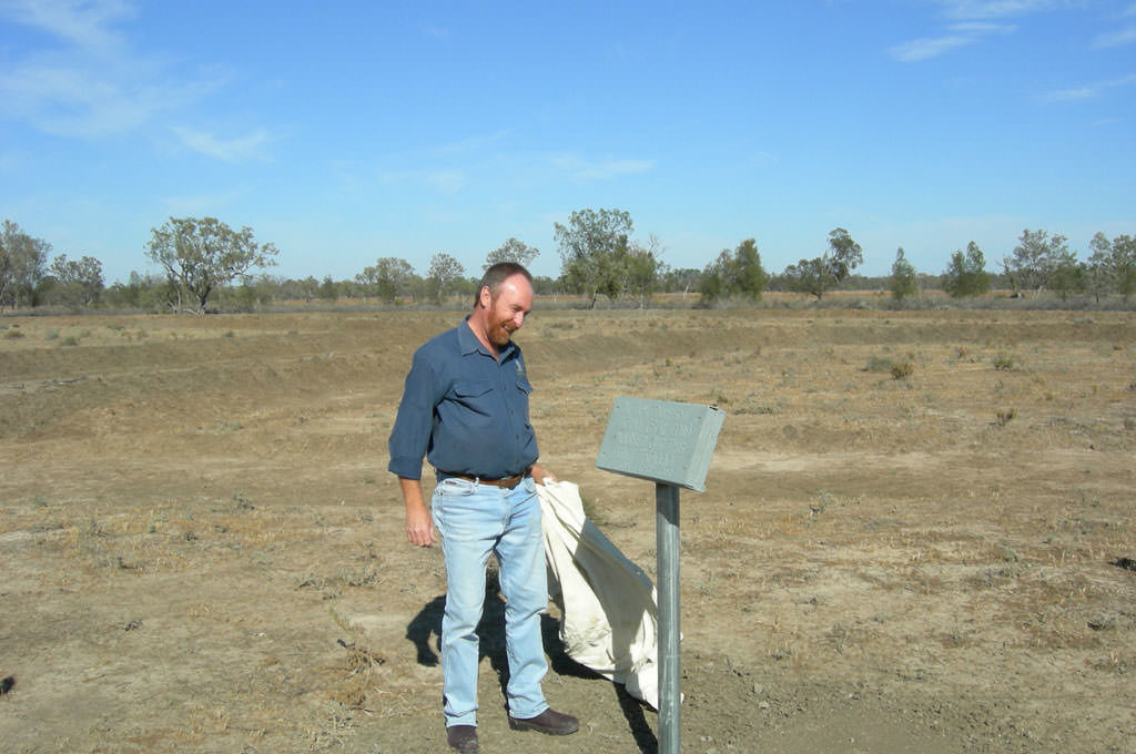 Ray unveils the plaque recognising his 50,000th waterpond